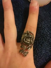 silver-colored rose long ring Chico, 95926