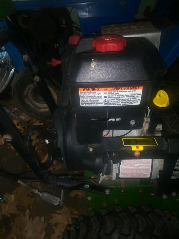 snow blower with electric start. 82517eba-7802-4c00-8e67-8ca087d7af4a