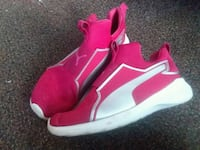 Red puma shoes size 2 Richmond, 47374
