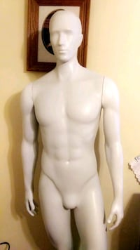 Mannequin for sell.    ~CHEAP~ 70 or best offer Cabot
