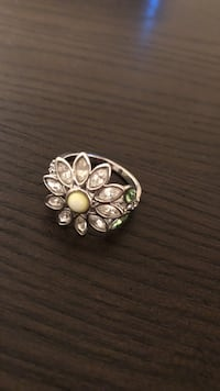 Daisy cluster ring Streamwood, 60107