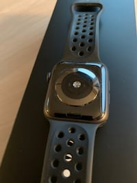 Apple Watch 4 44mm Oslo
