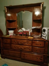 Brown dresser with mirror El Paso, 79924