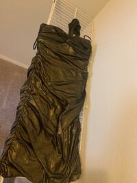 Size 6 gold party dress never worn  Centreville, 20120