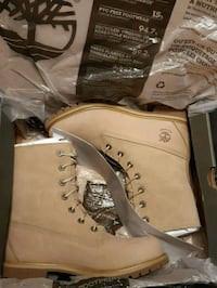 pair of brown Timberland work boots with box Toronto, M1B 6A2