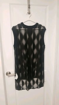 NWT DKNY black cover up - size M Richmond, V7C 5R9