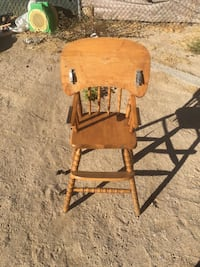Widen high chair with table Victorville, 92395