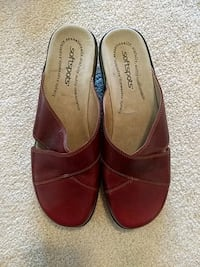 pair of red suede flats Berryville, 22611