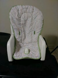 baby's white and green bouncer 1035 mi