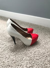 Pair of women's white-and-red stilettos size 39