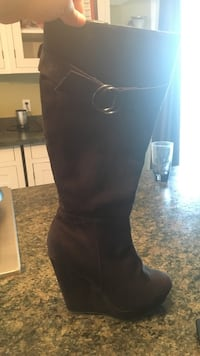 Knee high boots  Coquitlam, V3K