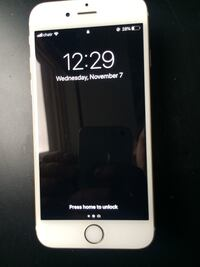 iPhone 6s 32GB Unlocked mint condition Gold  Toronto, M6E 2Y3