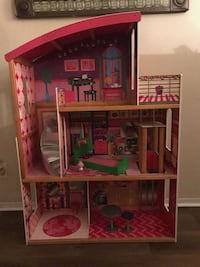 Wooden barbie house Walnut, 91789