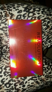 New Authentic makeup revolution flawlesss 4 makeup eyeshadow palette