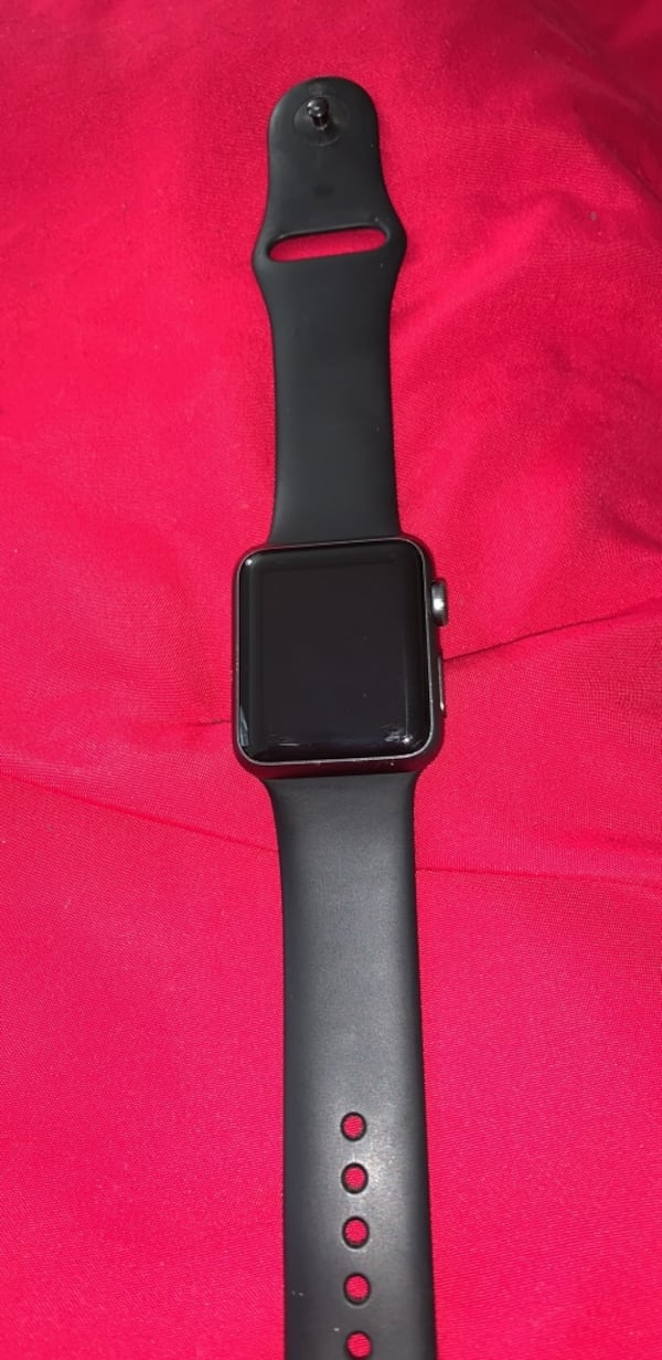 Series 1 Apple Watch. Got a new one. Comes with charger a74a5a21-2eda-420c-8b39-cd6bd67cb173