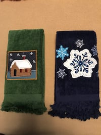 2 Holiday Snowflake Design Finger Tip Towels- Smoke Free House  High Springs, 32643