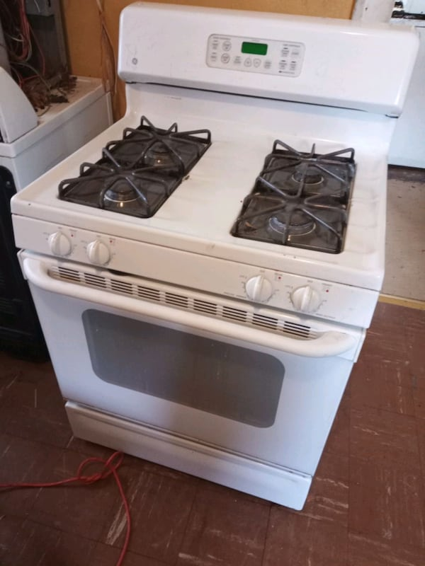 Refrigerator, stove and electric dryer c42c8e52-4a90-439d-a454-f1500527ecdd