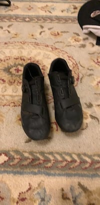 Pair of black cycling cleats  Bethesda, 20817