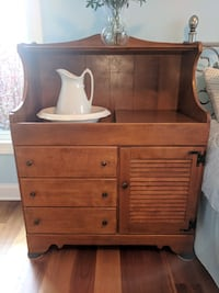 Ethan Allen wash stand cabinet Hampstead