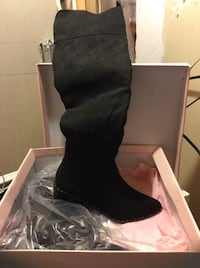 pair of black suede boots Barrie, L4M 5E5