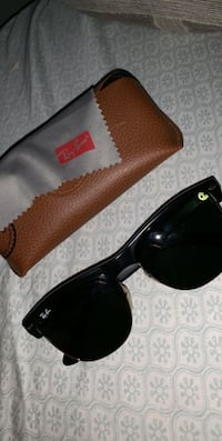 black Ray-Ban wayfarer sunglasses Imperial, 92251