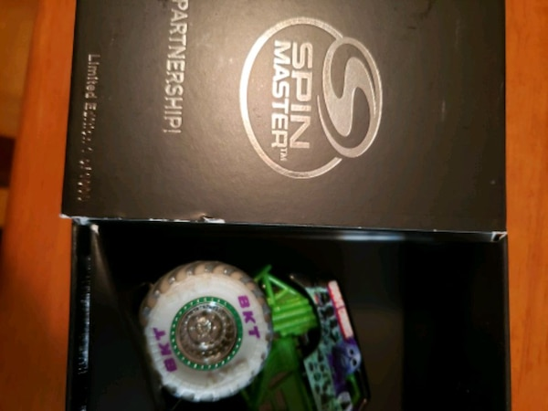 Monster Jam limited edition Grave Digger! ae08d5f9-c367-4972-96a4-2f2f400d44ef