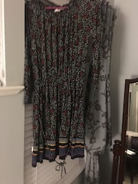 Long sleeves winter dress - size large from The loft store Maple Ridge, V4R 2W6