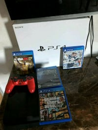 Sony PS4 console with controller and game cases Hayward, 94541