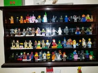 Lego figures with case 1376 mi