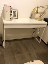 IKEA Desk, Besta Burs, High Gloss White Toronto, M5N
