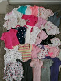 49 pcs New Born Baby Clothes . Take all for $25 dls