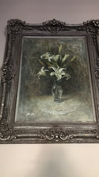 Flower vase with white lily flowers with frame North Las Vegas, 89031