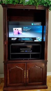 THOMASVILLE SOLID CHERRY WOOD ENTERTAINMENT CENTER/ARMOIRE