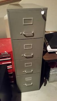 Filing Cabinet - 4 drawer locking