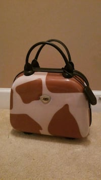 Small hard case makeup lugged age NEW Jacksonville, 32258