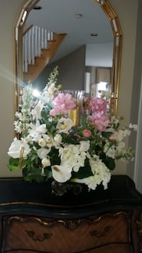 LARGE CUSTOM MADE SILK FLORAL ARRANGEMENT Vaughan