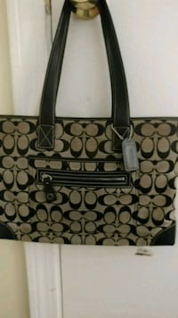 Coach signiture tote model 6082  Worcester, 01607