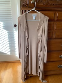 Tan duster with ruffle detail. Size medium  Cranston