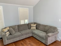 Sectional couch with pull out bed Oakton, 22124