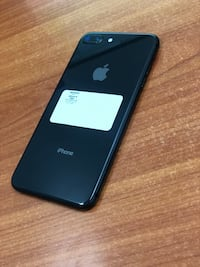 Black iPhone 8+ 64GB (CARRIER UNLOCKED)