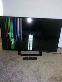 42in TV with remote/ Cracked from the inside Virginia Beach, 23454