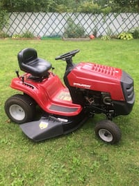 Red and black Murray ride on mower Columbus, 43224