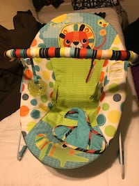 baby's white and green bouncer Laredo, 78046