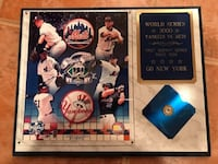 New York Yankees vs. Mets 2000 Subway Series World Series Plaque with subway token Westbury