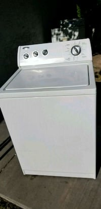 Very nice clean whirlpool washer 3 Las Vegas, 89120
