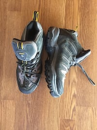 Hardly worn Nevados hiking boots, sz. 8