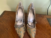 Brand new woman shoes