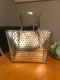 Authentic guess silver and black polka dot tote/purse/Handbag.