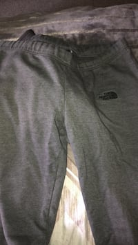 North face sweatpants lg 152 mi