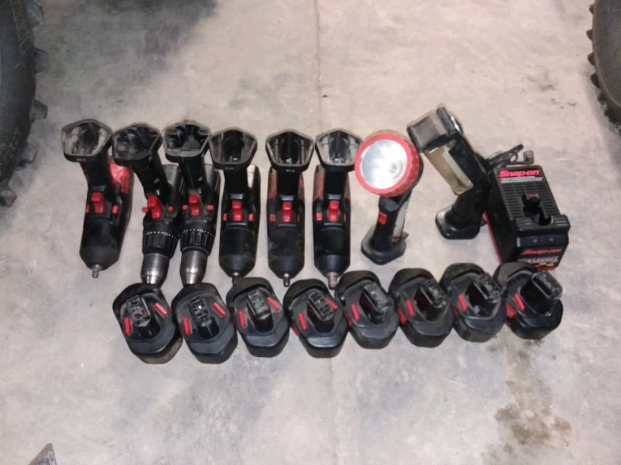 Photo Very LARGE set of Snap On battery operated tools